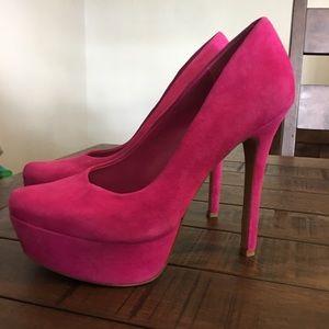 Jessica Simpson stiletto pumps